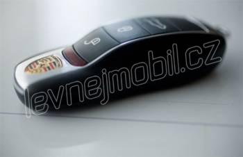 Mobilní telefon ve tvaru autíčka - Black jiny - vykoupeno